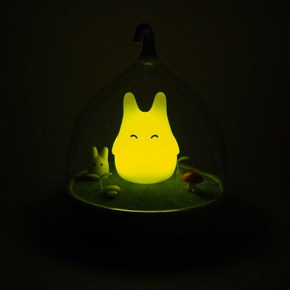 Детский ночник Котик на Лужайке желтый
