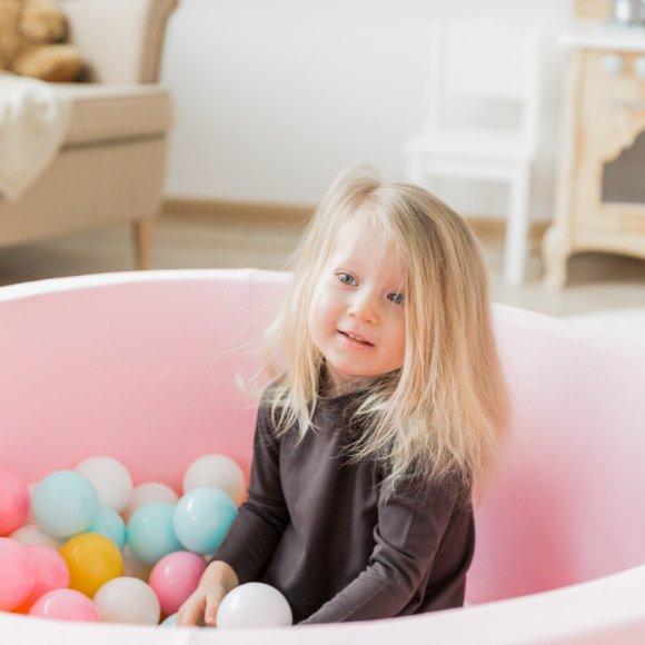 Детский сухой бассейн розового цвета